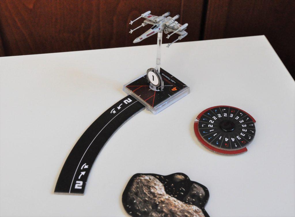Przykładowy manewr X-winga, łagodny skręt wlewo